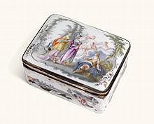 AGERMANPORCELAIN SNUFF BOX, PERHAPS FRANKENTHAL, WITH SILVER-GILT MOUNT, CIRCA 1770 |