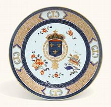 A FRENCH ARMORIAL PORCELAIN PLATE, PROBABLY SAMSON LATE 19TH CENTURY |