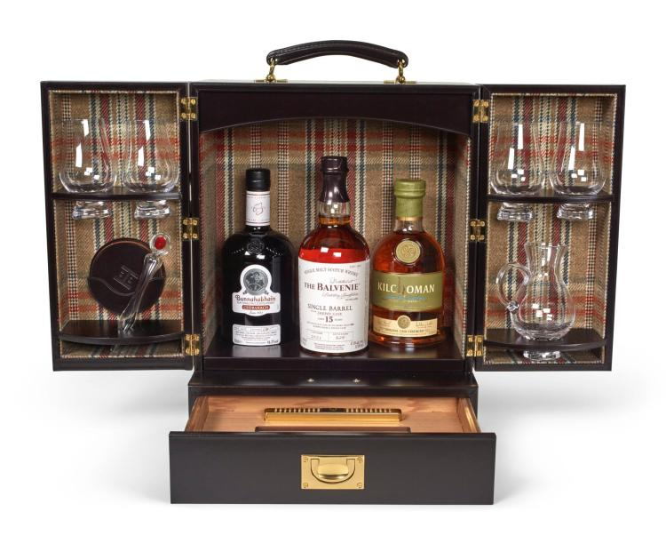 CAMPBELL'S OWN WHISKY AND CIGARS TRAVELLING CASE | Simpson Leather London