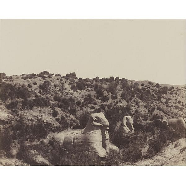 Félix Teynard , 1817-1892 'karnak (thèbes): sphinx à tête humaine et à tête de bélier'