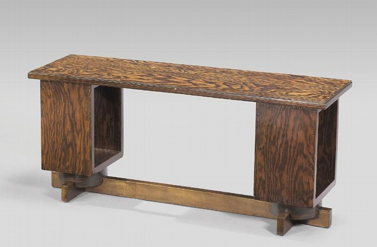 f - ANDRÉ SORNAY, 1902-2000 TABLE BASSE RECTANGULAIRE EN PIN D'ORÉGON [AN ANDRÉ SORNAY LOW TABLE,