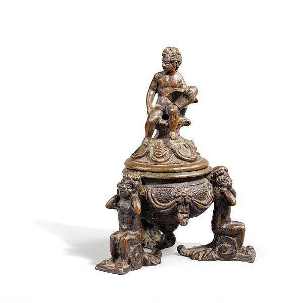 Encrier en bronze Venise, vers 1600, d'après un modèle de Nicolo Roccatagliata (vers 1560-1636) , A Venetian 16th century bronze inkstand, after a model of Nicolo Roccatagliata (1593-1636)