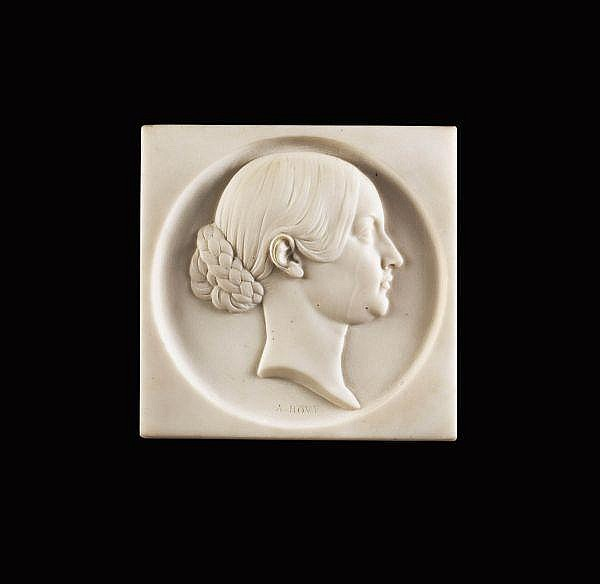 Antoine Bovy (1795-1877), Portrait de jeune femme (George Sand ?) en marbre de profil à droite France, vers 1830 , A French marble portrait of a young woman (George Sand ?) signed by Antoine Bovy (1797-1877), circa 1830, on a red velvet frame marbre
