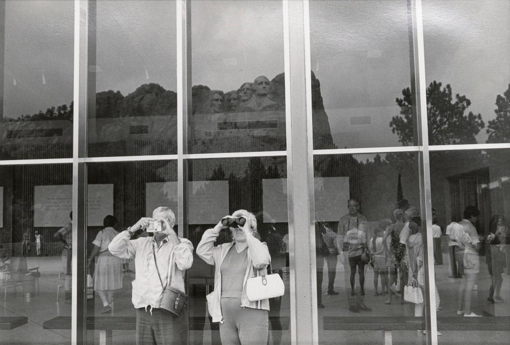 LEE FRIEDLANDER | Mount Rushmore, South Dakota, 1969