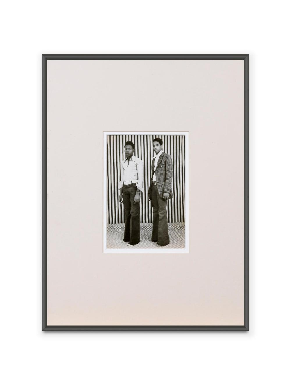 MALICK SIDIBÉ   Untitled (Deux jeunes hommes)