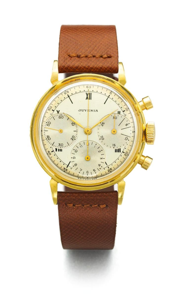 JUVENIA | A YELLOW GOLD CHRONOGRAPH WRISTWATCH WITH REGISTERS AND TWO TONE DIAL CASE 80681 BIG EYES CIRCA 1955
