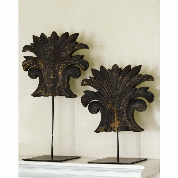 A PAIR OF CARVED AND PAINTED PINEAPPLE LEAF-FORM ORNAMENTS, AMERICAN, LATE 19TH CENTURY