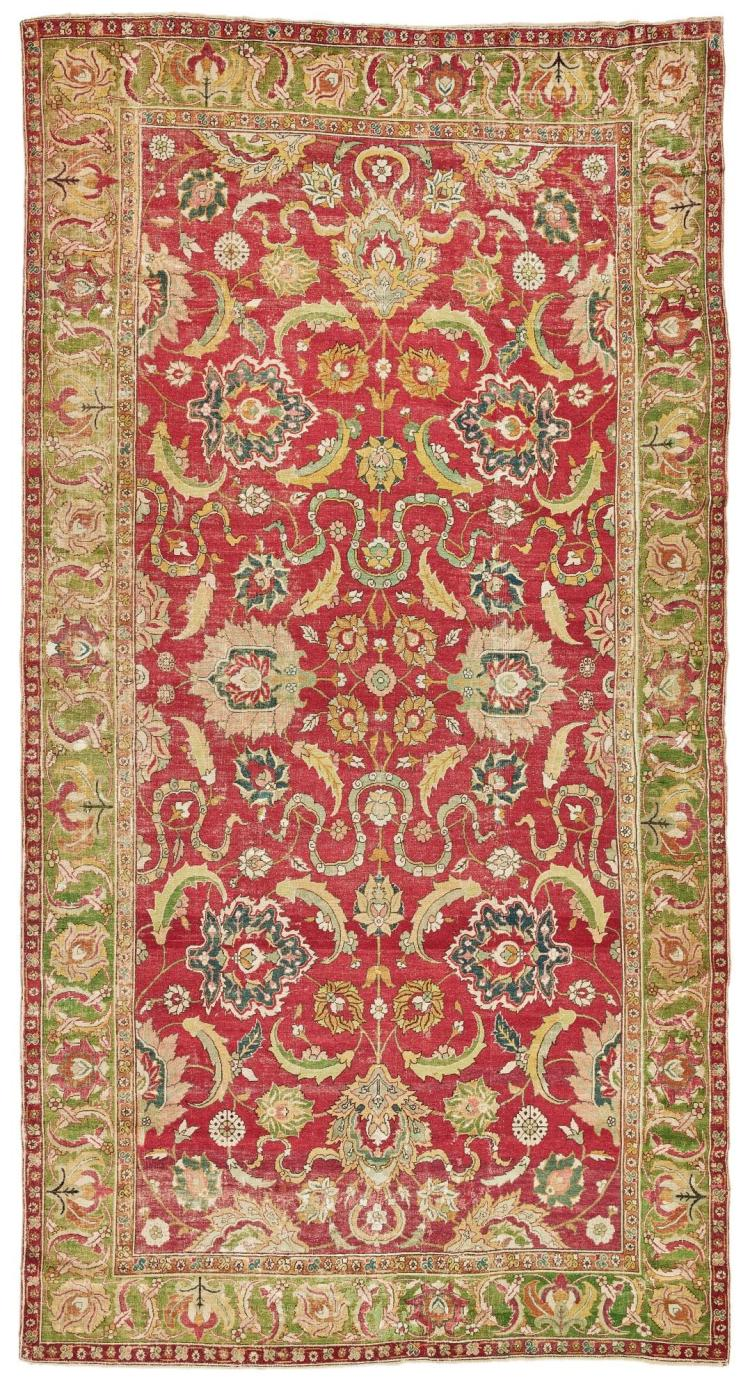 A CENTRAL PERSIAN CARPET, POSSIBLY ISPHAHAN |