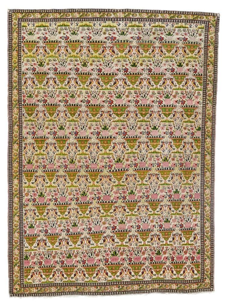 A FERAGHAN RUG, WEST PERSIA |