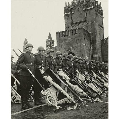 e - Max Vladimirovitch Alpert, 1899-1980 , Victory Parade, Red Square, 1945