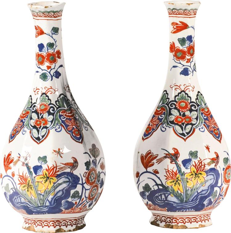 A PAIR OF DUTCH DELFT POLYCHROME BOTTLE VASES, EARLY 18TH CENTURY |