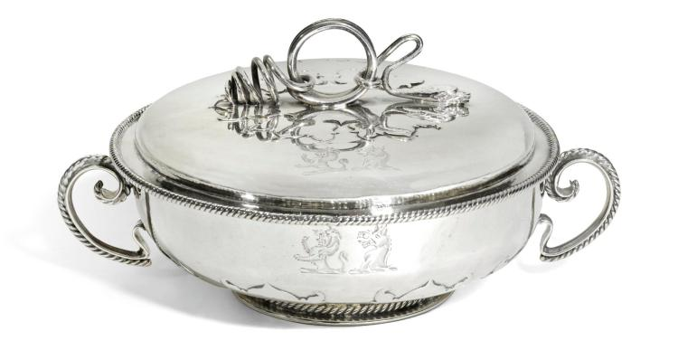A CHARLES II SILVER TWO-HANDLED COVERED BOWL, MAKER'S MARK WC ESCALLOP BELOW, LONDON, 1668 |