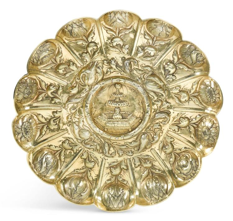 A PORTUGUESE SILVER-GILT SIDEBOARD DISH, APPARENTLY UNMARKED, PROBABLY LISBON, CIRCA 1720 |