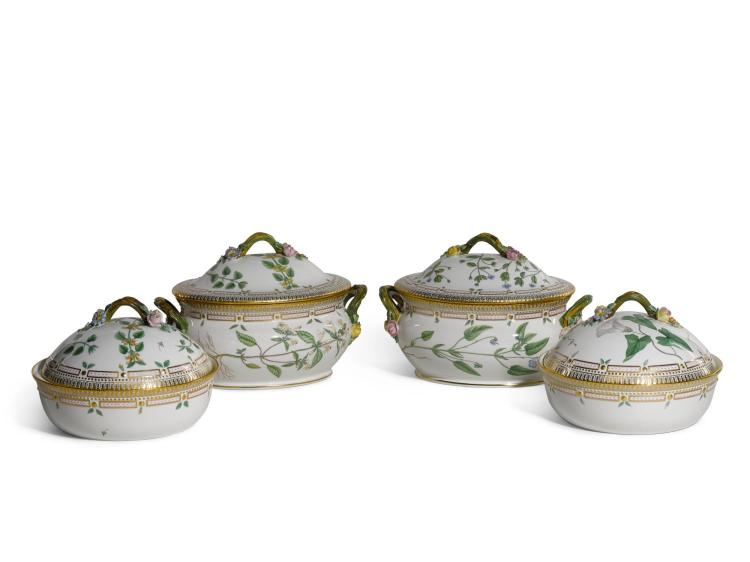 TWO ROYAL COPENHAGEN 'FLORA DANICA'OVAL TUREENS AND COVERS, AND TWO CIRCULAR VEGETABLE DISHES AND COVERS, 20TH CENTURY |