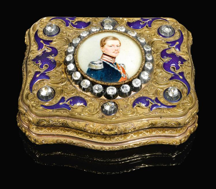 A JEWELLED 14 CT GOLD AND ENAMEL PRESENTATION SNUFF BOX, C.M. WEISHAUPT & SÖHNE, HANAU, CIRCA 1840   A jewelled 14 ct gold and enamel presentation snuff box, C.M. Weishaupt & Söhne, Hanau, circa 1840