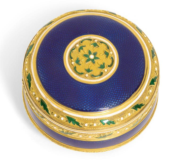 A GOLD AND ENAMEL BONBONNIÈRE. PROBABLY HANAU, LATE 18TH CENTURY | A gold and enamel bonbonnière. probably Hanau, late 18th century