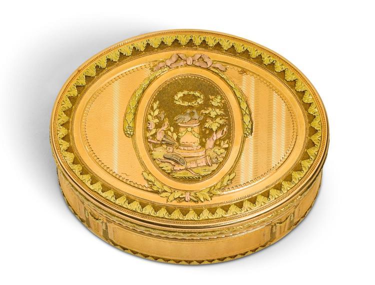 A FOUR-COLOUR GOLD SNUFF BOX, L.P. BARBIER OR N.P. BRICART, PARIS, 1774/5 | A four-colour gold snuff box, L.P. Barbier or N.P. Bricart, Paris, 1774/5