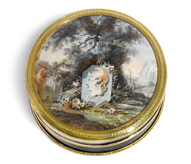 A TORTOISESHELL BOÎTE À MINIATURE WITH TWO-COLOUR GOLD MOUNTS, CLAUDE BRISSON, PARIS, 1778 |  A tortoiseshell boîte à miniature with two-colour gold mounts, Claude Brisson, Paris, 1778