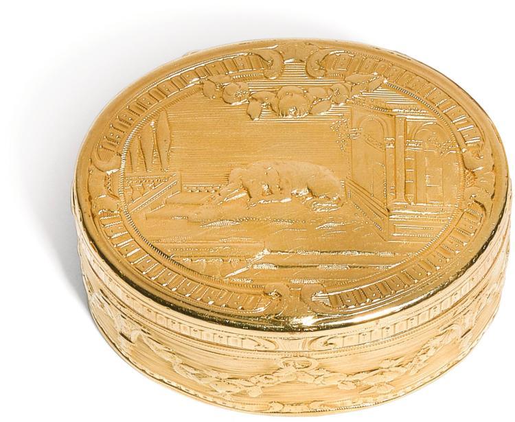 A SILVER-GILT SNUFF BOX, ANTOINE DAROUX, PARIS, 1746 ANDA GOLD SNUFF BOX,JEAN-CHARLES-SIMPHORIEN DUBOS, PARIS, 1762  