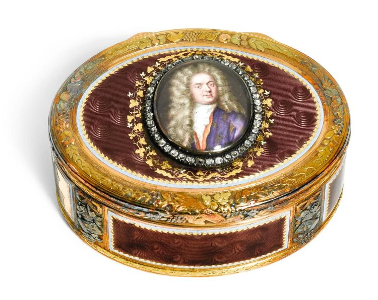 A JEWELLED FOUR-COLOUR GOLD AND ENAMEL PORTRAIT SNUFF BOX, HANAU, CIRCA 1780   A jewelled four-colour gold and enamel portrait snuff box, Hanau, circa 1780