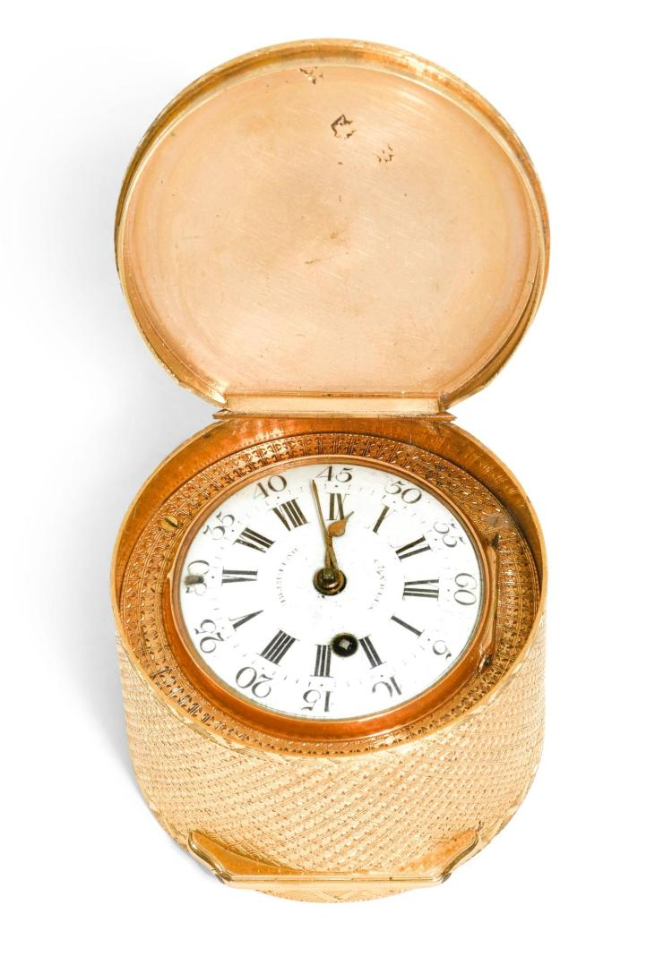 A GOLD DOUBLE-OPENING SNUFF BOX WITH ASSOCIATED WATCH MOVEMENT, PARIS, 1752/3 | A gold double-opening snuff box with associated watch movement, Paris, 1752/3