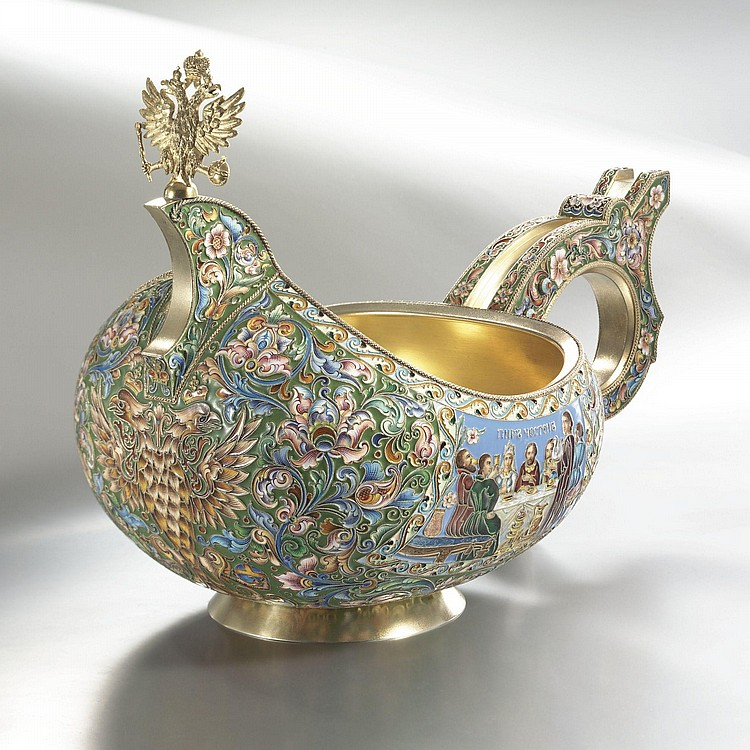 A FINE AND MASSIVE RUSSIAN GILDED SILVER AND SHADED ENAMEL LARGE WEDDING KOVSH, FEODOR RÜCKERT, RETAILED BY OVCHINNIKOV, MOSCOW, CIRCA 1900
