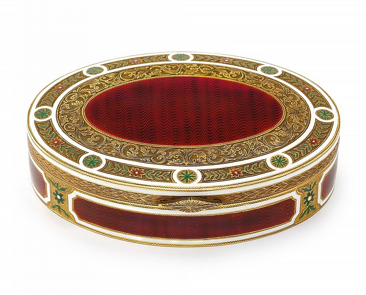 A LARGE GOLD AND ENAMEL TABLE SNUFF BOX, PROBABLY ITALIAN, EARLY 20TH CENTURY |
