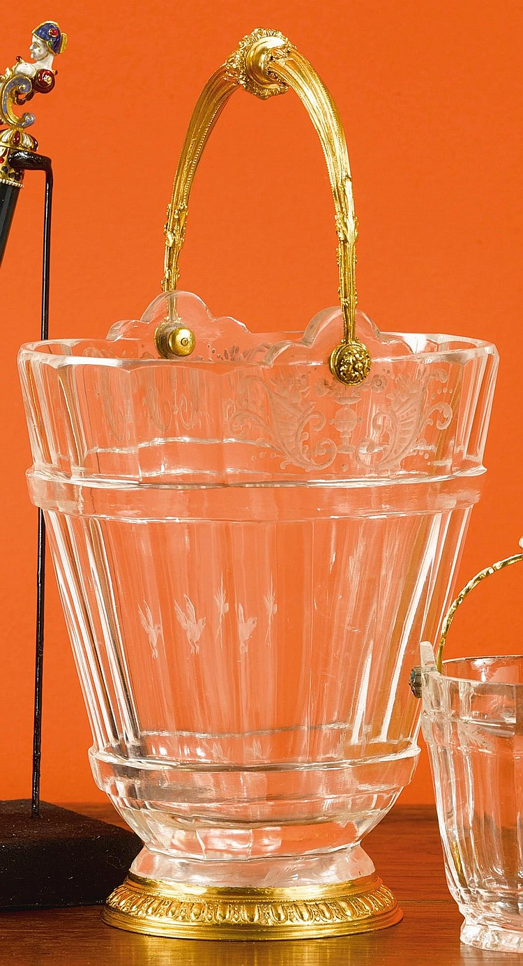 A GOLD-MOUNTED ROCK CRYSTAL PAIL |