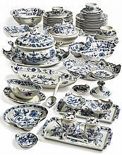 A MEISSEN 'BLUE ONION' PATTERN PART DINNER AND DESSERT SERVICE<BR>20TH CENTURY |