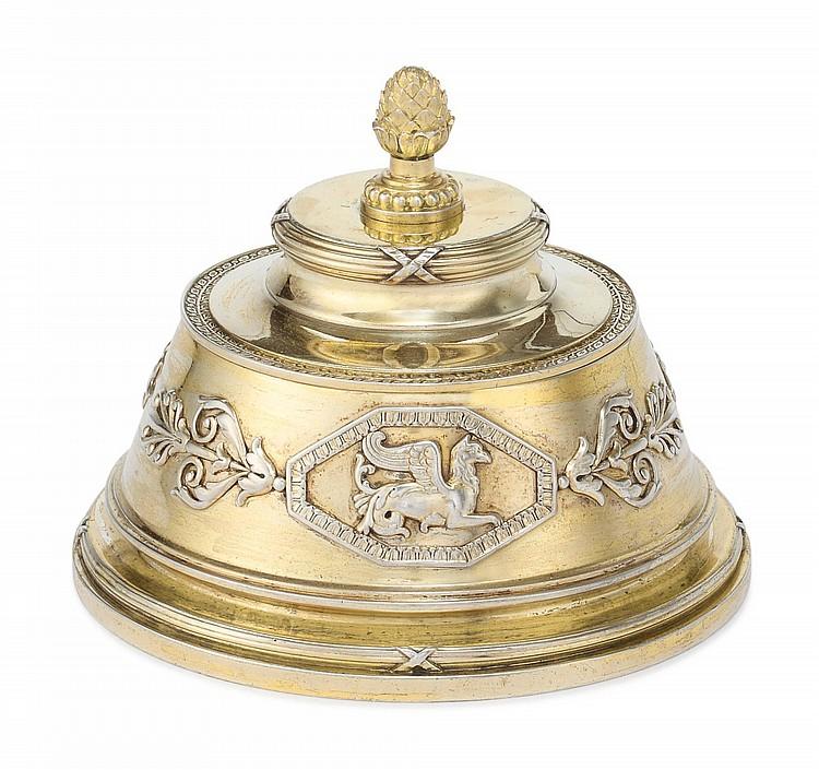 A FABERGÉ SILVER-GILT EMPIRE STYLE BOX, FABERGÉ, MOSCOW, 1899-1908 |
