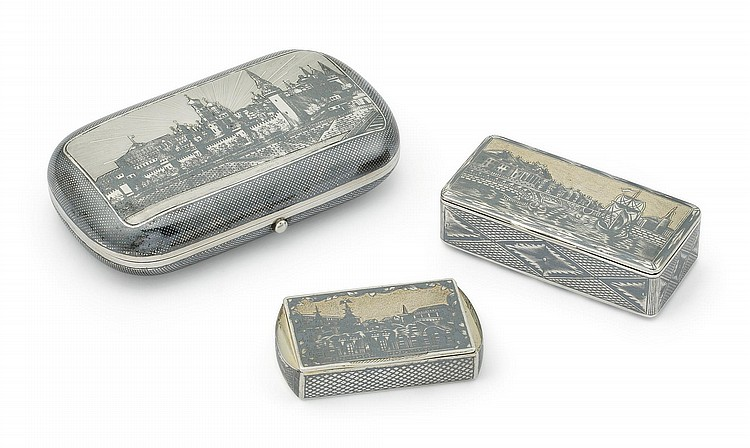 A RUSSIAN SILVER AND NIELLO CIGAR CASE AND TWO SNUFF BOXES, MOSCOW, LATE 18TH- MID 19TH CENTURY |
