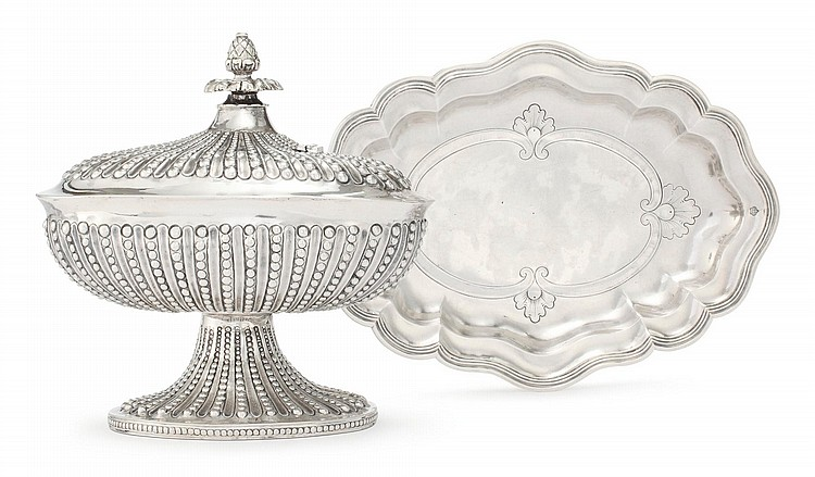 A SPANISH COLONIAL SILVER COVERED CONTAINER AND A DISH, PROBABLY GUATEMALA, LATE 18TH CENTURY |