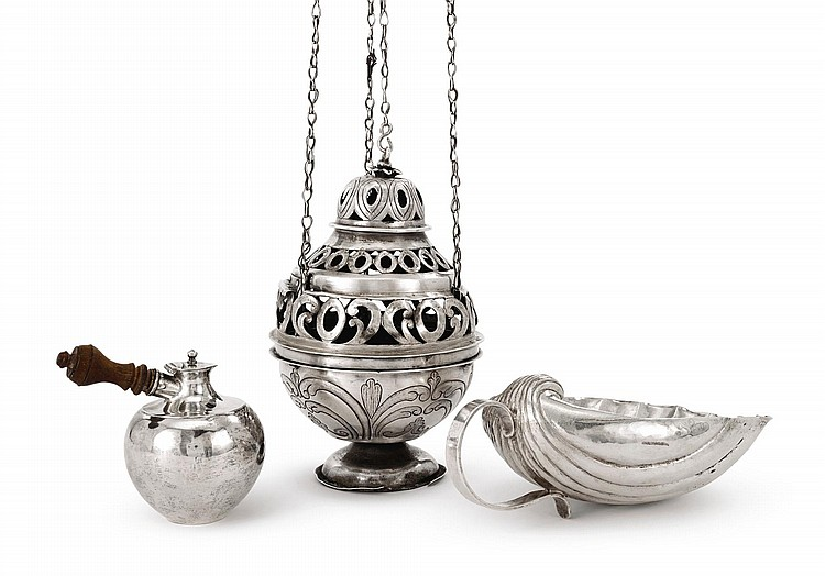 A SPANISH COLONIAL SILVER SMALL COVERED POT, GUATEMALA, LATE 18TH CENTURY |
