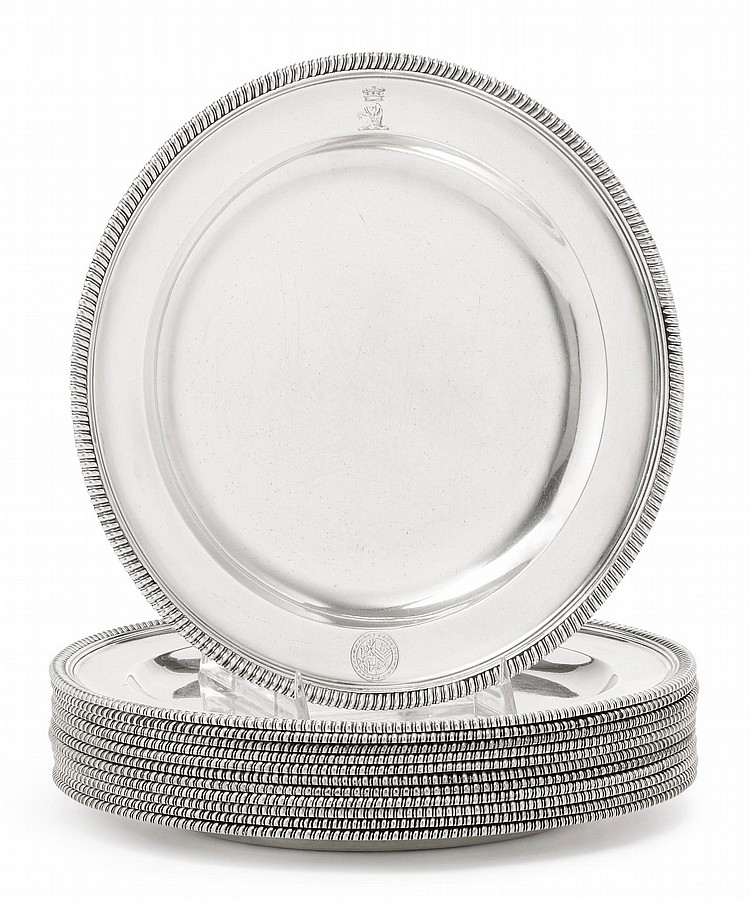 A SET OF TWELVE GEORGE III SILVER DINNER PLATES, ROBERT SHARP, LONDON, 1789 |