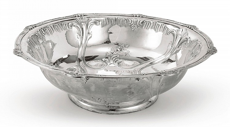 A FRENCH SILVER LARGE BOWL, CIRCA 1870 |