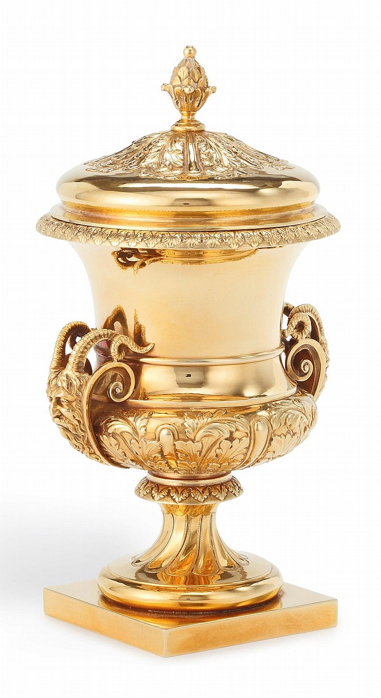 GOLD: A GEORGE V EIGHTEEN-KARAT GOLD ADAM STYLE URN AND COVER, MAPPIN & WEBB LTD., SHEFFIELD, 1911 |