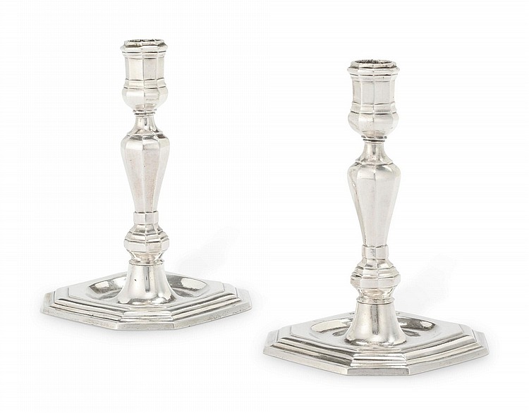 A PAIR OF SPANISH SILVER TABLE CANDLESTICKS, ANTONIO SANTA CRUZ, ASSAY MASTER FRANCISCO SÁNCHEZ TARAMAS, CORDOBA, CIRCA 1760 |