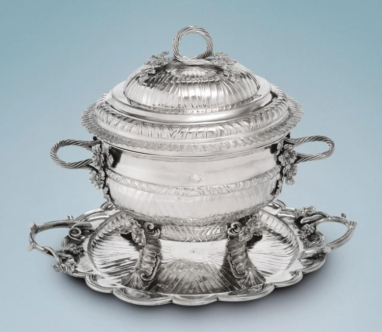 AN IMPORTANT SPANISH COLONIAL SILVER TUREEN, COVER AND STAND, MIGUEL GUERRA, GUATEMALA, CIRCA 1780-90  
