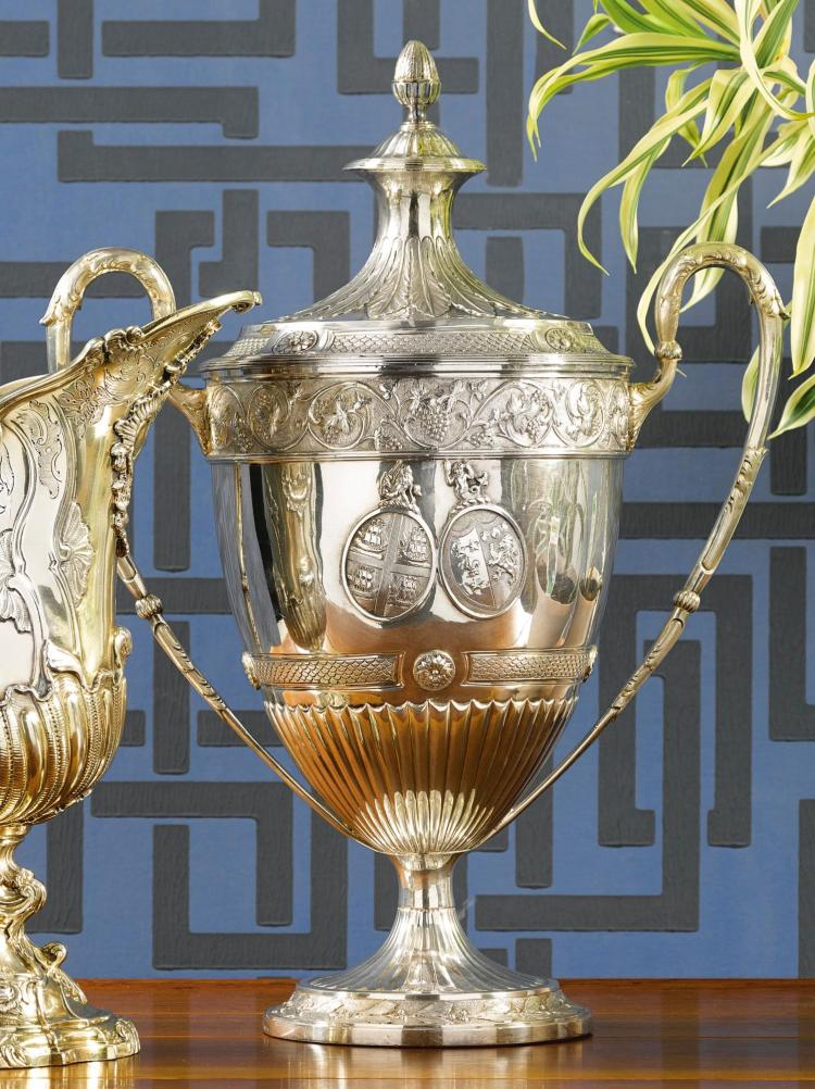 A GEORGE III SILVER CUP AND COVER, WILLIAM HALL, LONDON, 1795 |