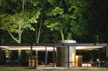 PRIVATE TOUR OF PHILIP JOHNSON'S ARCHITECTURAL GEM THE GLASS HOUSE [6 GUESTS] |
