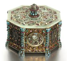 AN OTTOMAN JADE AND GEM-SET SILVER-GILT CASKET, TURKEY AND CHINA, 18TH/19TH CENTURY |