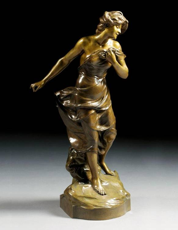 w - AN ART NOUVEAU BRONZE FIGURE OF A MAIDEN BY LUCA MADRASSI, ITALIAN, CIRCA 1900