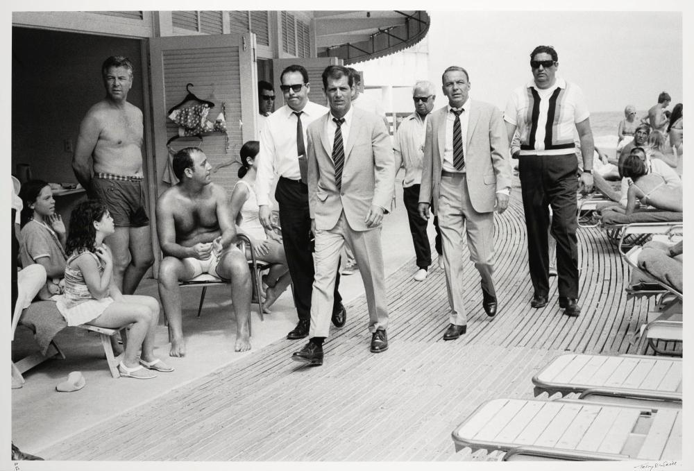 TERRY O'NEILL | Frank Sinatra on the Boardwalk, Miami, 1968