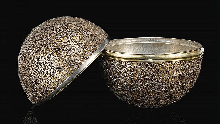 A FINE BEZOAR OR GOA STONE CASE, INDIA, GUJARAT, 17TH CENTURY |