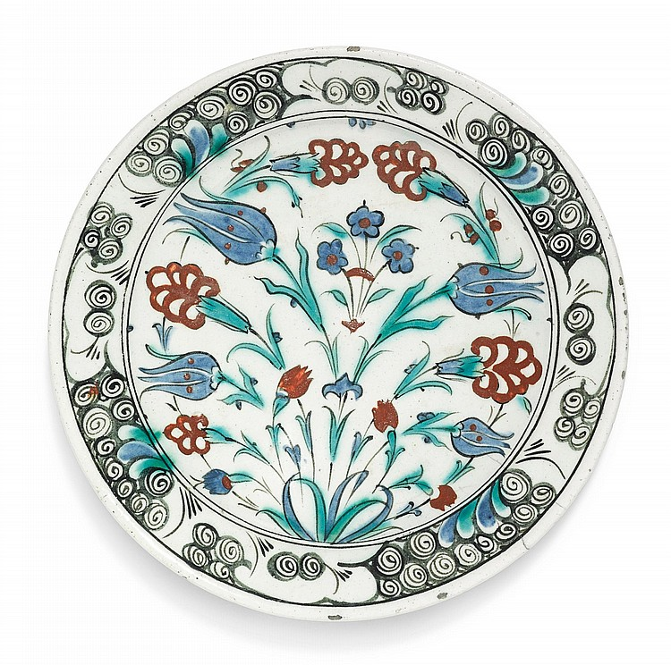 AN IZNIK POLYCHROME POTTERY DISH, TURKEY, CIRCA 1600 |