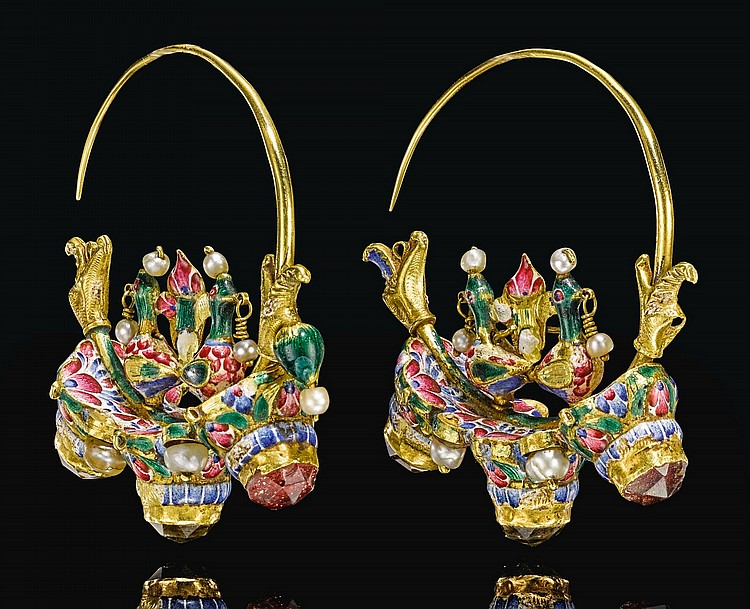 A PAIR OF LARGE QAJAR GOLD AND ENAMELLED EARRINGS, PERSIA, 19TH CENTURY |