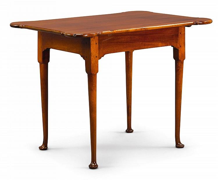 FINE QUEEN ANNE MAHOGANY PORRINGER-TOP TABLE, RHODE ISLAND, CIRCA 1770 |