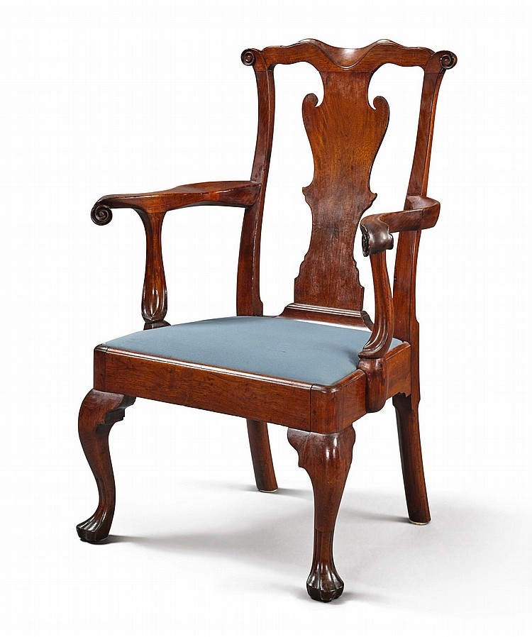 FINE AND RARE QUEEN ANNE CARVED WALNUT OPEN ARMCHAIR, PENNSYLVANIA, CIRCA 1760 |