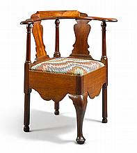 QUEEN ANNE CARVED MAHOGANY CORNER CHAIR, PENNSYLVANIA, CIRCA 1760 |