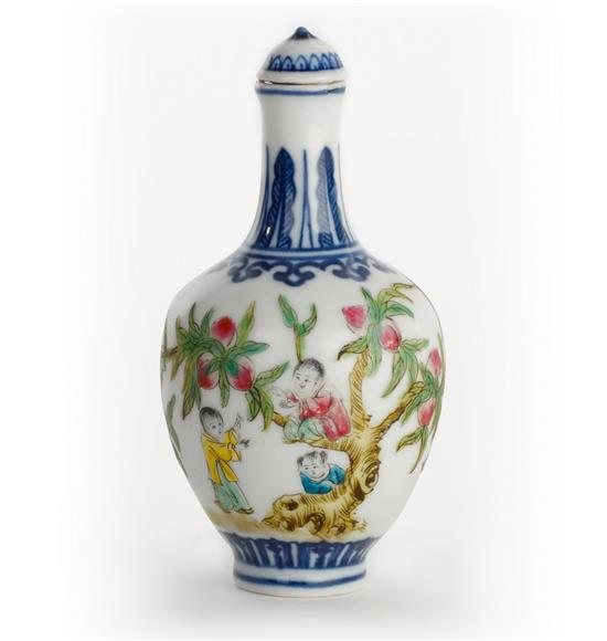 A porcelain snuff bottle, 20th century (2)
